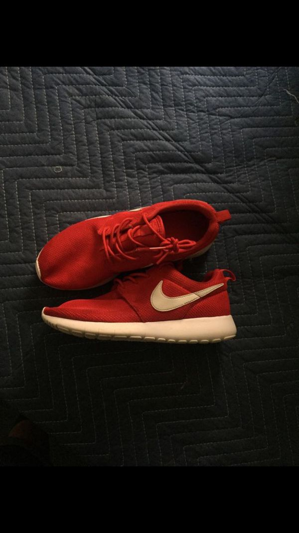 official photos a6b88 ac69e nike roshe run (Clothing   Shoes) in Los Angeles, CA - OfferUp