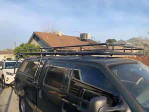 Photo Camper shell and roof rack