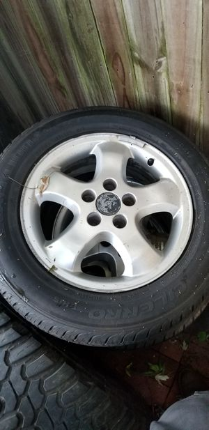 Tires 215/ 60 R16 with rims 16 for Sale in Walkersville, MD