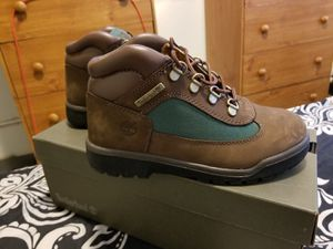 Timberland's beef and broccoli size 3y for Sale in Baltimore, MD