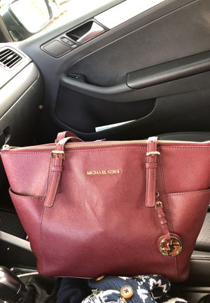 Authentic Michael kors purse for Sale in Brentwood, MD