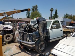 GOOD RINNING Chevy V8 5.7 MOTORS for Sale in La Puente, CA