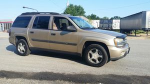 Beautiful 2004 4x4 Chevy Trailblazer for Sale in White Plains, MD