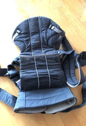 Baby Bjorn carrier for small toddlers for Sale in San Francisco, CA