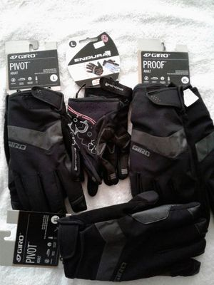 Bicycling gloves (waterproof and insulated) for Sale in Baltimore, MD