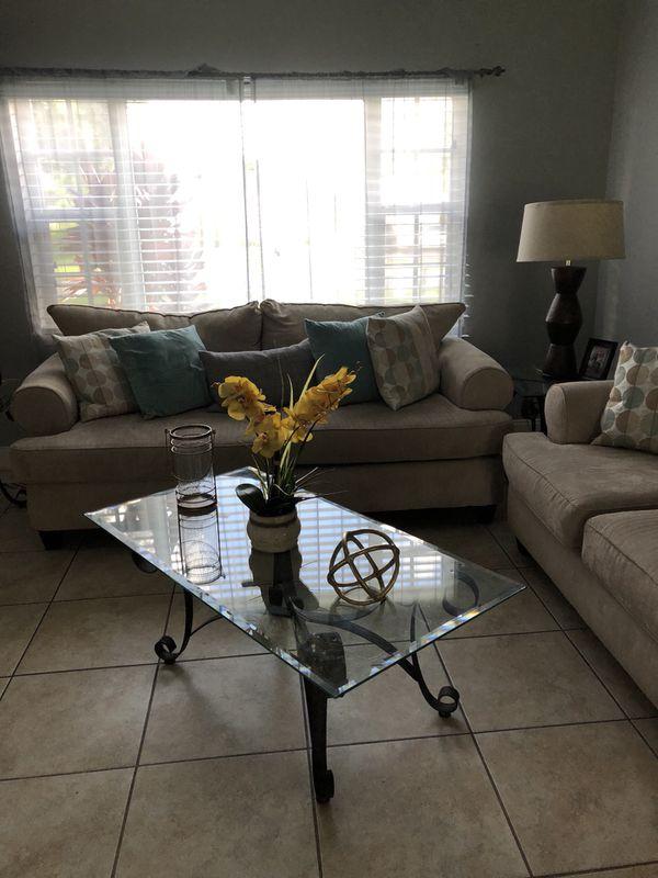 Living Room Set For Sale In Miami FL
