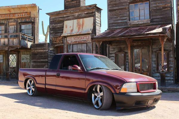 Clean Bagged Chevy S10 layz frame on 20s for Sale in Tucson, AZ - OfferUp