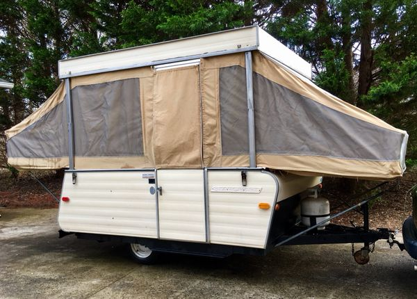 Vintage 1972 Starcraft Starflite 6 Popup Camper in Very Good, Clean  Condition ~ $1900 for Sale in Clover, SC - OfferUp