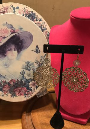 Gorgeous!!! Vintage Victorian Earrings for Sale in Gainesville, VA