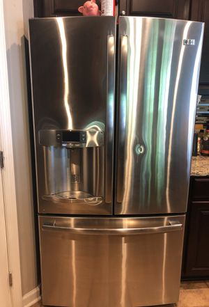 GE Profile Refrigerator for Sale in Clinton, MD