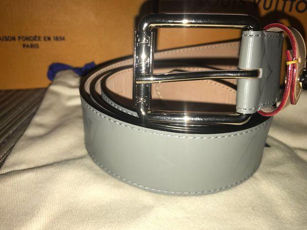 08e77cdcda26 Brand NEW Louis Vuitton belt never worn. LV JOURNEY 20MM for Sale in Queens