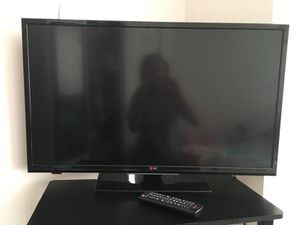 32 inch LG TV for Sale in Washington, DC
