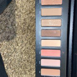 Eyeshadow Palette Thumbnail