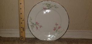 Vintage Gold Trimmed Rose Motif Dinner Plate for Sale in Woodbridge, VA