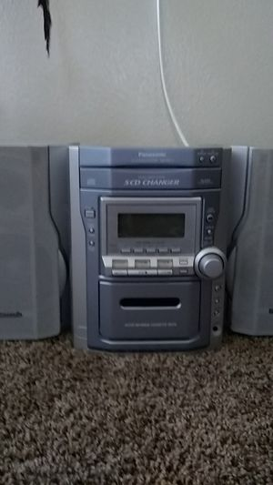 Panasonic CD stereo system 5 CD changer and cassette player for Sale in Palm Springs, CA