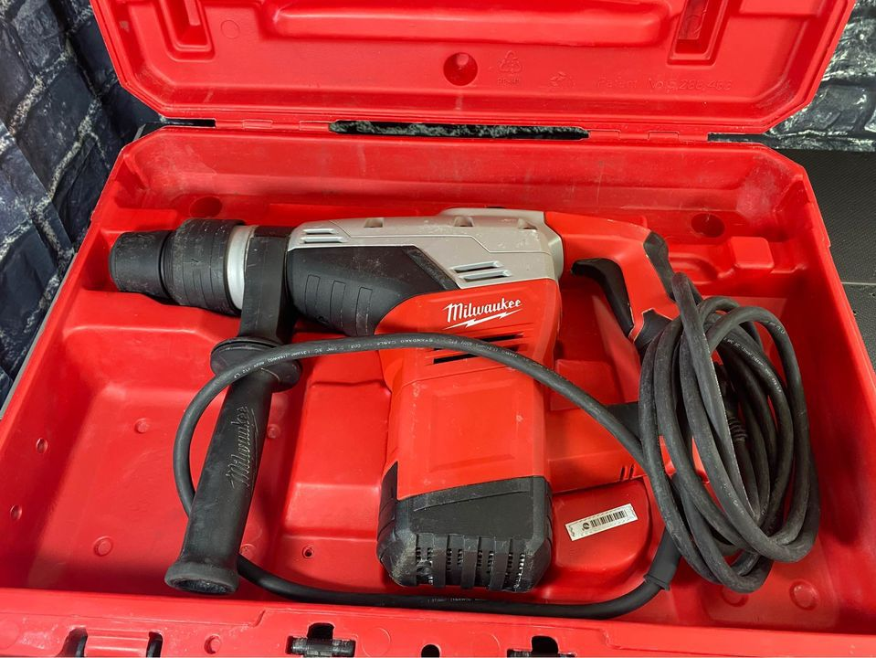 MIlwaukee 1-9/16 in. SDS-Max Rotary Hammer