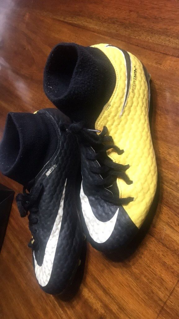 f5912498f Nike Nikeskin hypervenom Soccer cleats Size 6Y for Sale in Andover ...