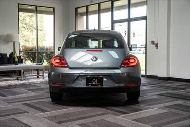 2012 Volkswagen Beetle Thumbnail