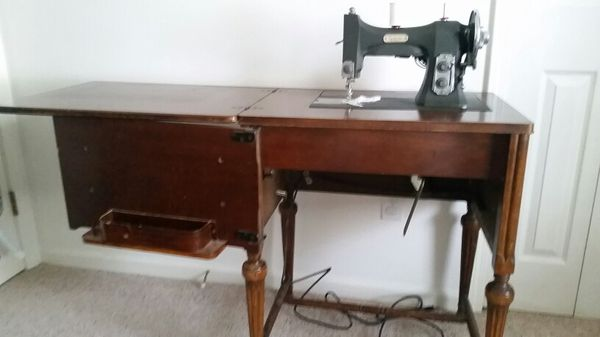 White Sewing Machine Series 40 For Sale Local Area Only 4040 Impressive White Sewing Machine Series 77