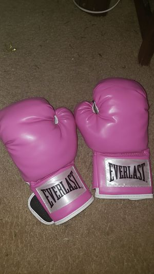 2 pairs of pink boxing gloves size 12 oz. for Sale in Gaithersburg, MD