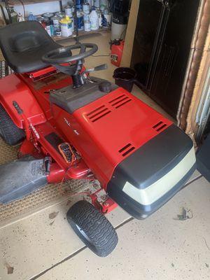 Photo Murray Riding Lawn Mower (Needs Repairs)