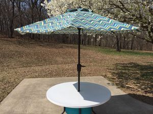 "Outdoor 48""Round Patio Table w/allen + roth Teal green stripe Market 9-ft Patio Umbrella for sale  Claremore, OK"