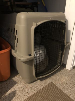 Dog Gear: Kennel, beds, food bowls, leashes etc. for Sale in Gaithersburg, MD