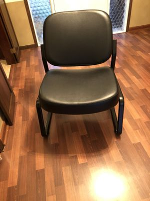 Photo Brand new ofm big and tall chair model 409VAM sells new for over $200