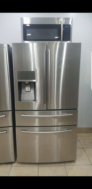 Samsung 4 door fridge for Sale in Philadelphia, PA