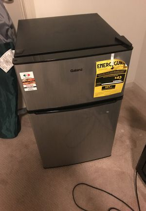 Selling in a good condition small fridge. for Sale in Arlington, VA
