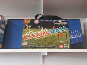 Double ladder ball game for Sale in Kissimmee, FL
