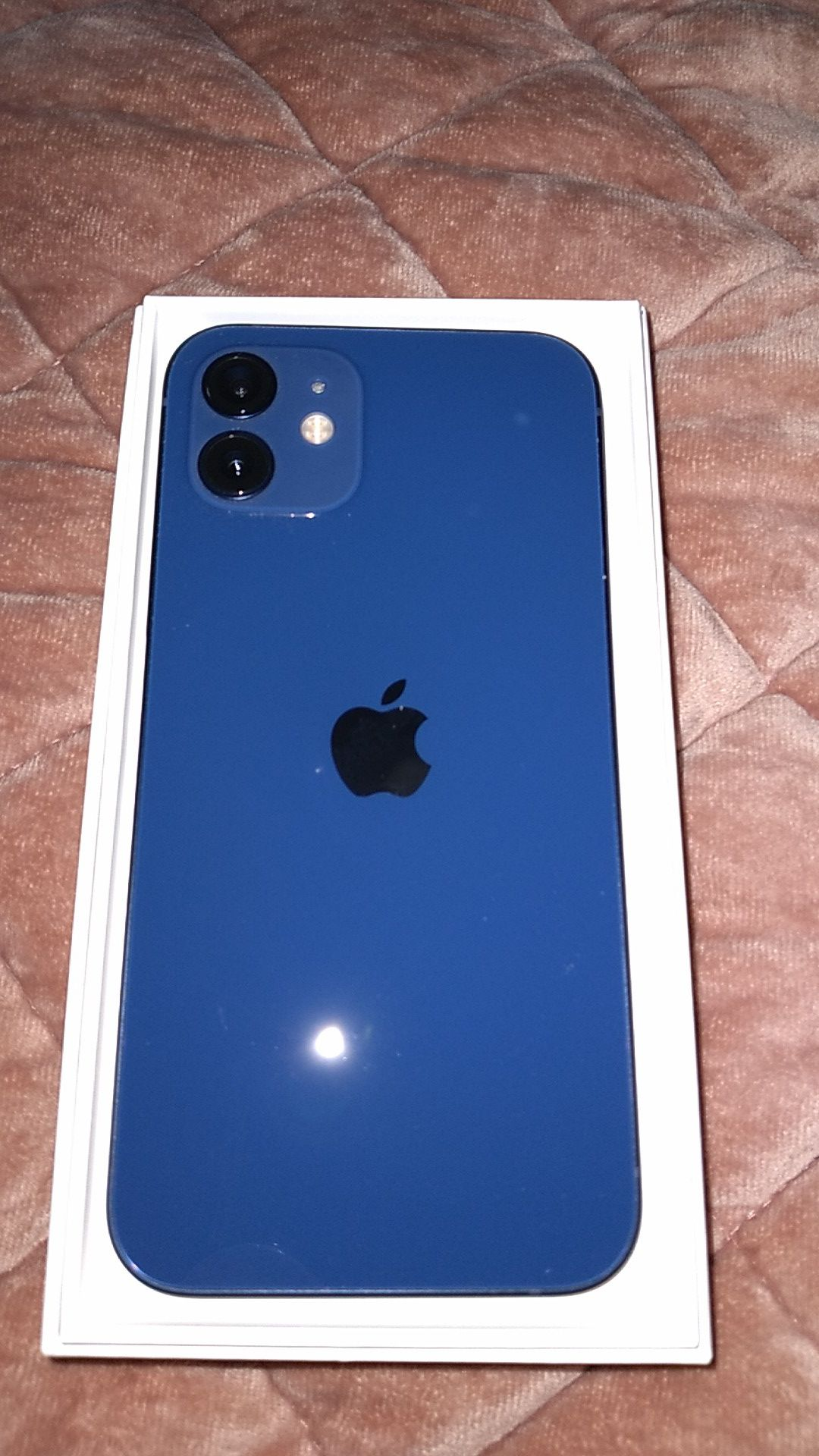 Brand new i phone 12 64 gb blue t mobil unlocked perfect condition 500 or obo