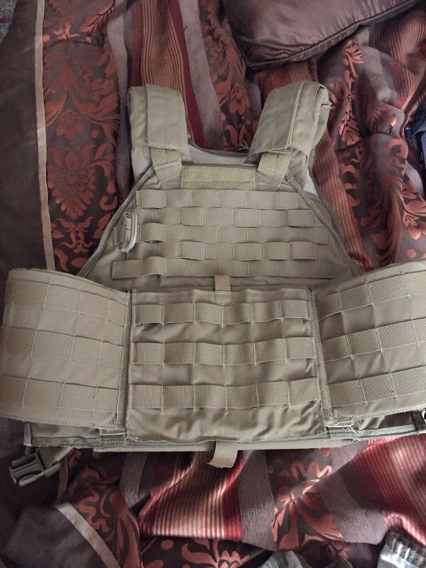Eagle Industries USMC scalable plate carrier for Sale in Federal Way, WA -  OfferUp