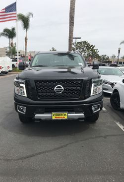 2018 Nissan Titan Thumbnail