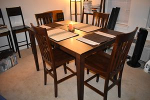 Expandable Oak Dining Room table & Six chairs for Sale in Washington, DC