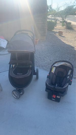 Photo Graco stroller and car seat