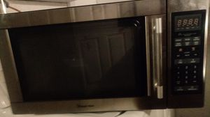 Magic Chef microwave good condition working very good for Sale in Stockton, CA