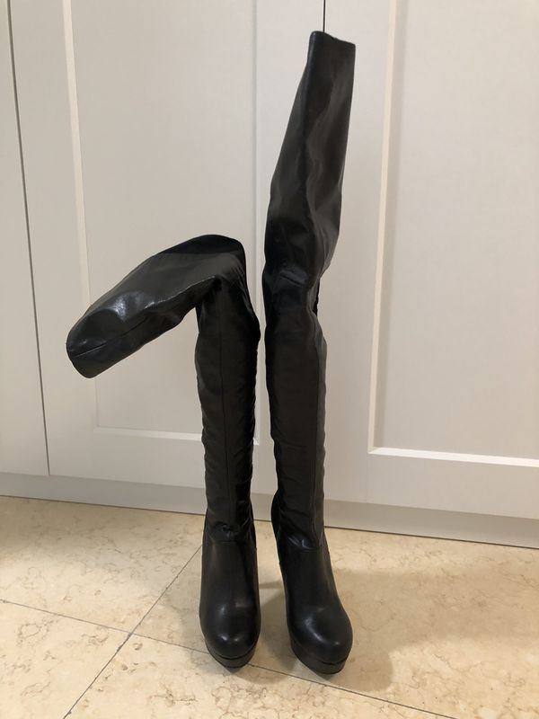 a973a90297f Steve Madden Neley thigh high boots 7.5 for Sale in Miami, FL - OfferUp