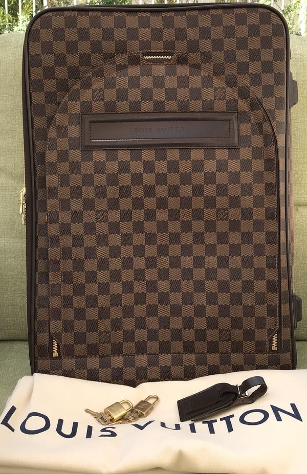e94b5a6b2b67 Authentic Louis Vuitton Pegase 60 D.EBE. for Sale in Spring Valley ...