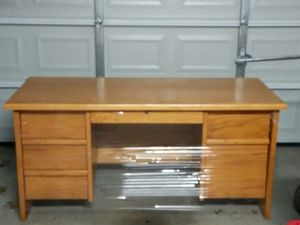 Used Desk For Sale >> New And Used Desk For Sale In Austin Tx Offerup