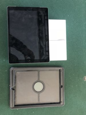 iPad Pro w/ otter box for Sale in Cary, NC
