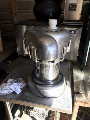 Commercial juicer. Almost new 2500$ online. for sale  Tulsa, OK