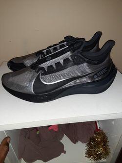 Nike Men's Size 12 Thumbnail