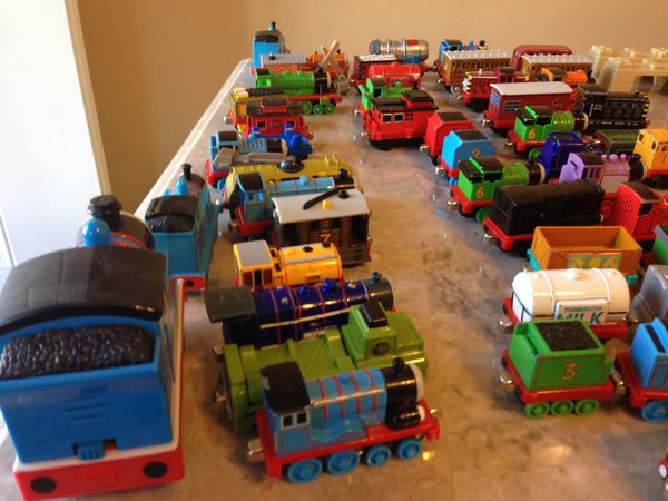 Thomas the train Lot 51 trains for Sale in Bartlett, IL - OfferUp