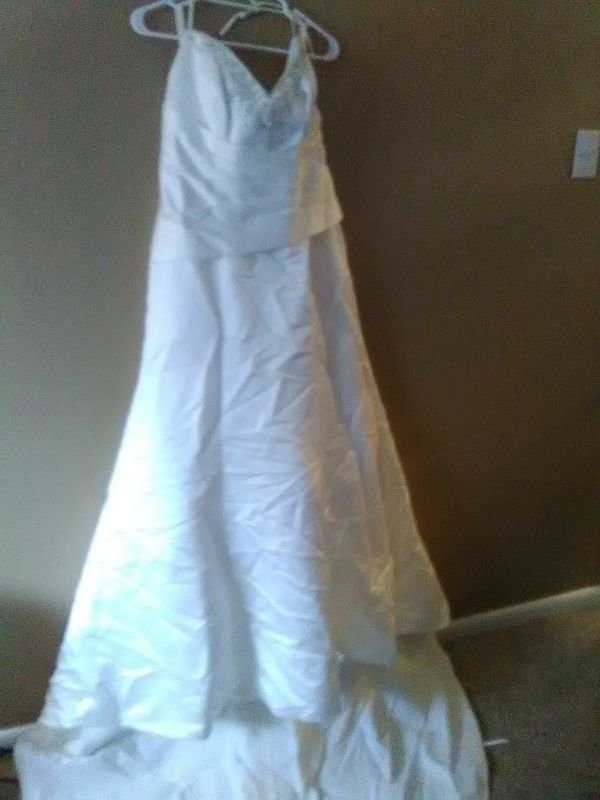 Wedding dress for Sale in Garland, TX - OfferUp