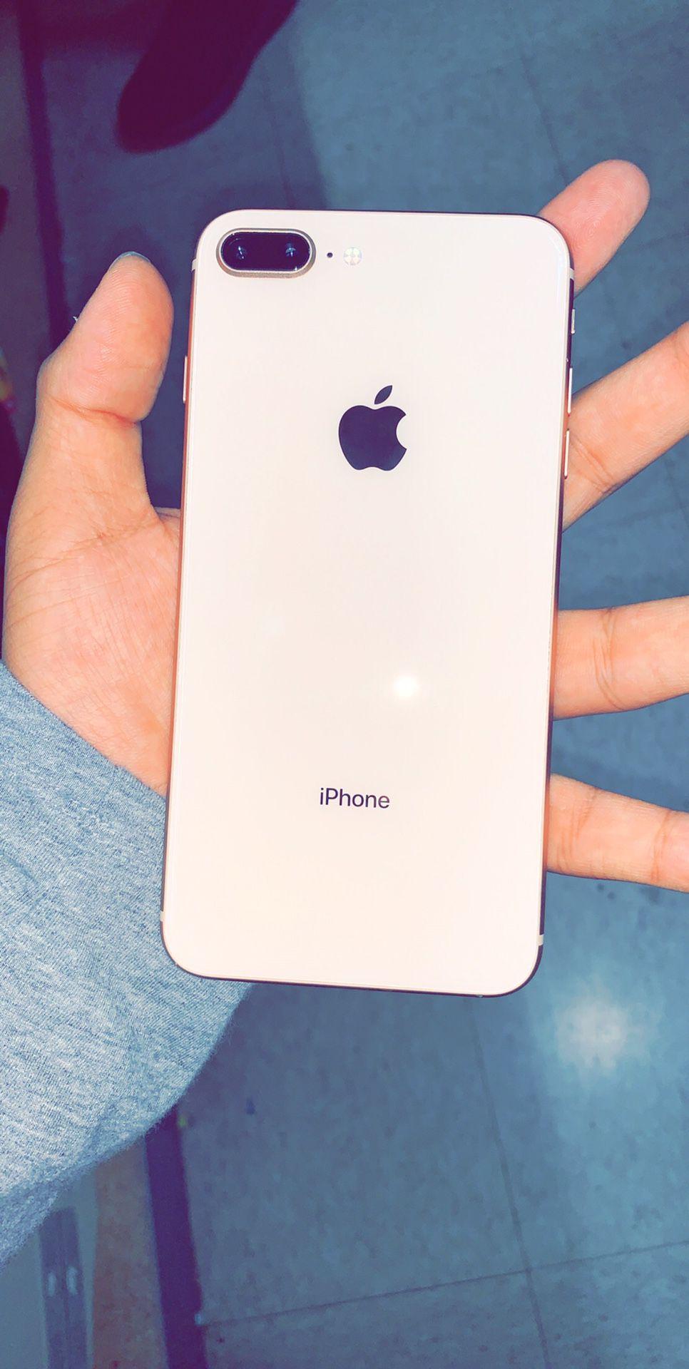 iPhone 8 Plus - Silver 64Gb Unlocked