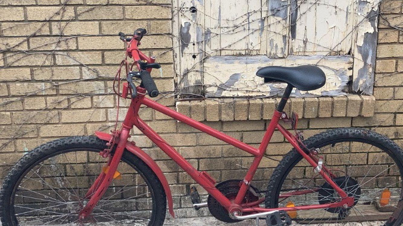 Medium 5 Gear Hybrid Road Bike