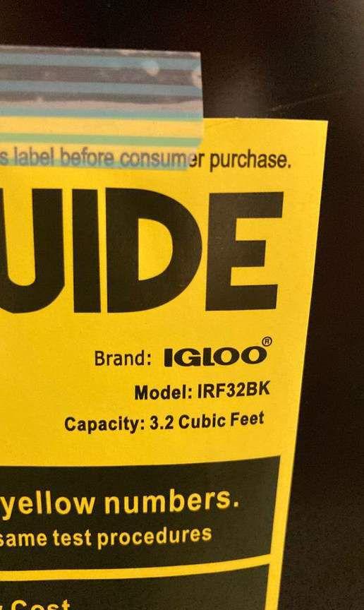 Igloo Mini Fridge ❄️ irf32bkb 3.2 cu. Ft. Sin ($89 each) Y9