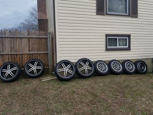 Photo 22 inch rims and 16 inch rims