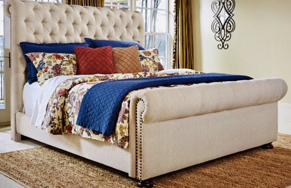 Ashley Furniture Kingsize Tufted Linen, Ashley Furniture Tufted Bed